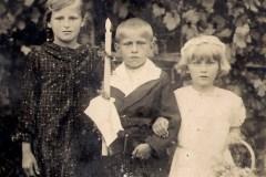 0021.-Antoni-Kozioł-z-siostrami-Jadwigą-i-Marią.-1936-r.